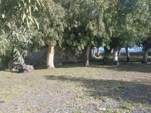 castiglione di sicilia piazzale del castello di lauria foto taobook