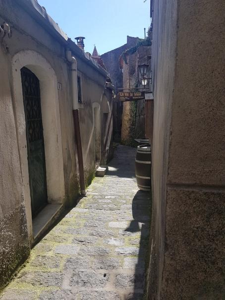 castiglione di sicilia enoteca lungo via federico II foto taobook