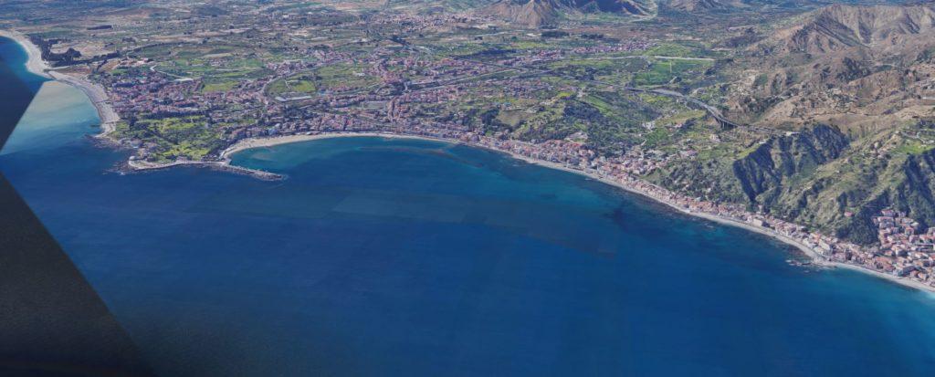 Giardini-Naxos intera costa