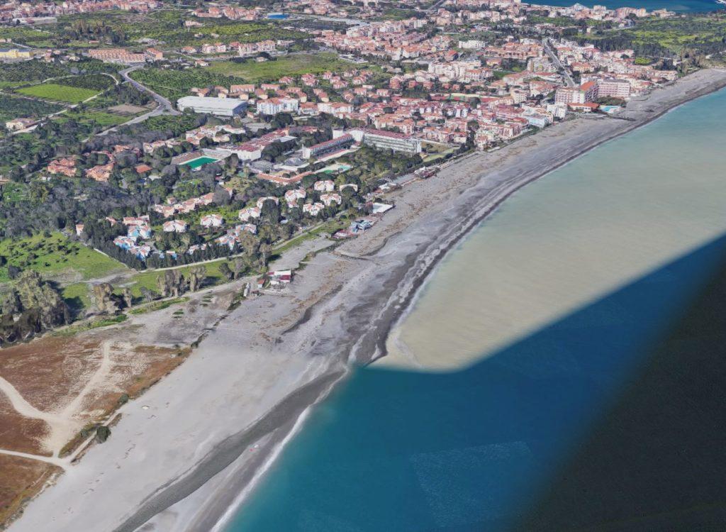 giardini-naxos spiaggia les roches noire