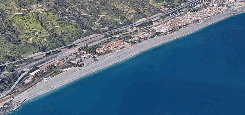 taormina spiaggia mazzeo