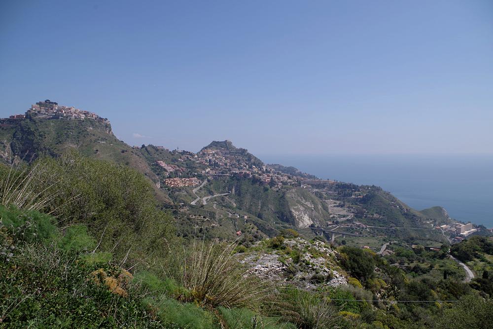 taormina vista dalle montagne