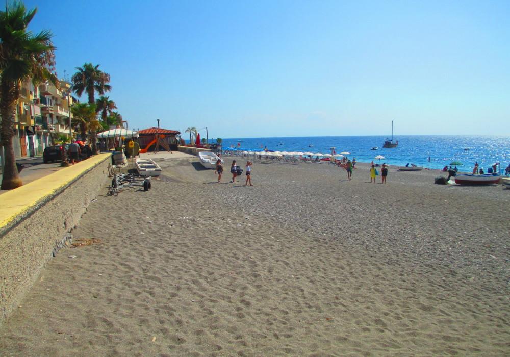 Spiaggia di Letojanni