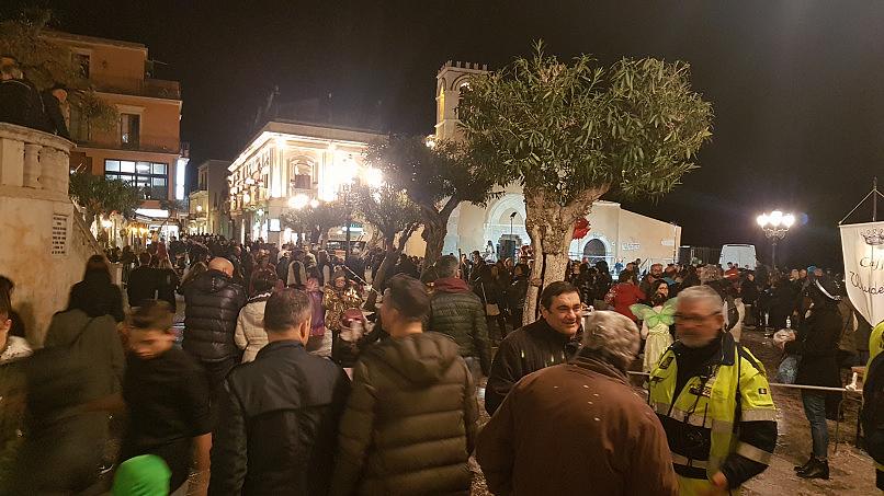 taormina carnevale 2019 membro di i teschi messicani