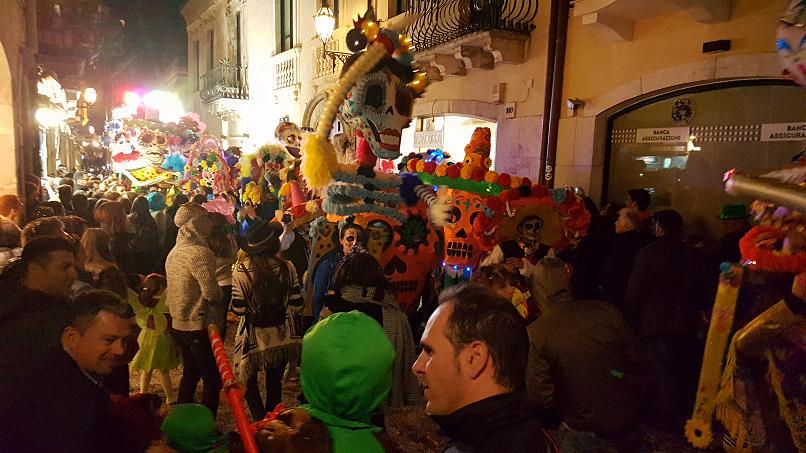 taormina carnevale 2019 i teschi messicani